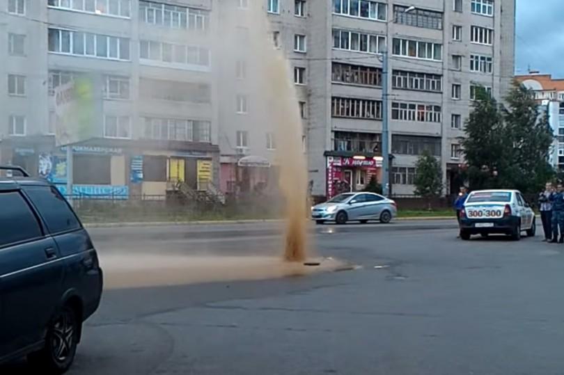 прорыв теплотрассы в смоленске