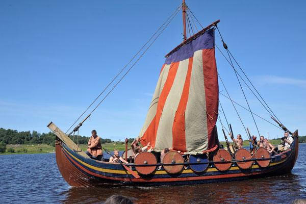 корабль викингов Смоленск