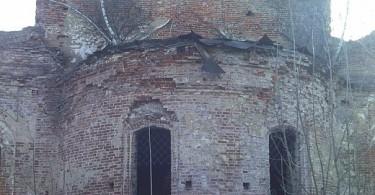 церковь XII века в деревне Михновка