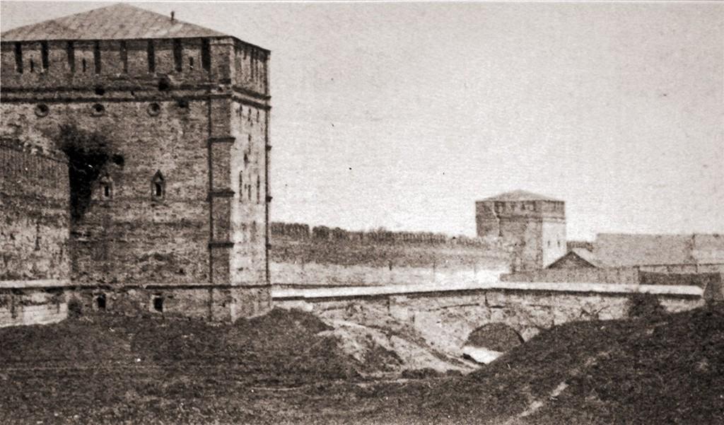 ров с водой смоленск никольская башня