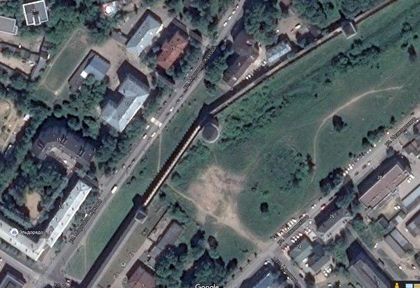 смоленская крепость обрушилась