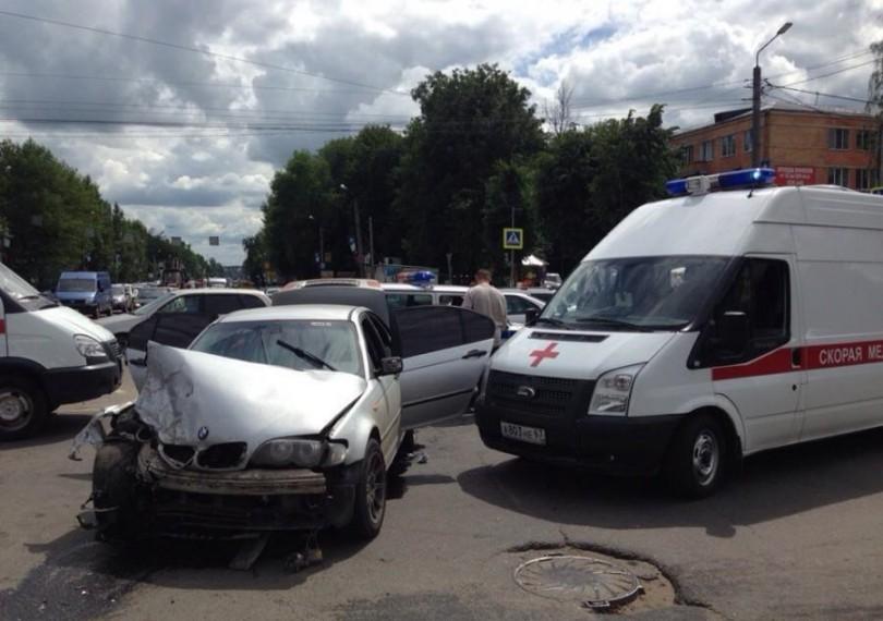 В Смоленске в аварии с маршруткой пострадали 6 человек