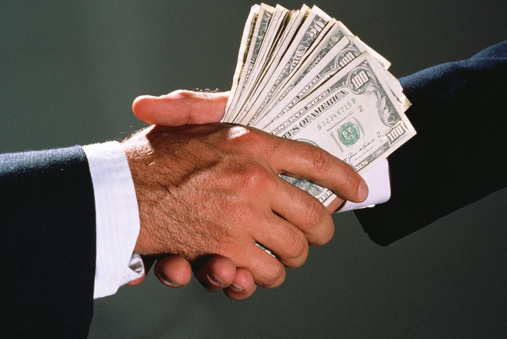 """За минувшие сутки клиенты """"Приватбанка"""" сняли 1 млрд грн наличных, столько же, сколько и в декабре 2015 года, - пресс-служба банка - Цензор.НЕТ 5526"""