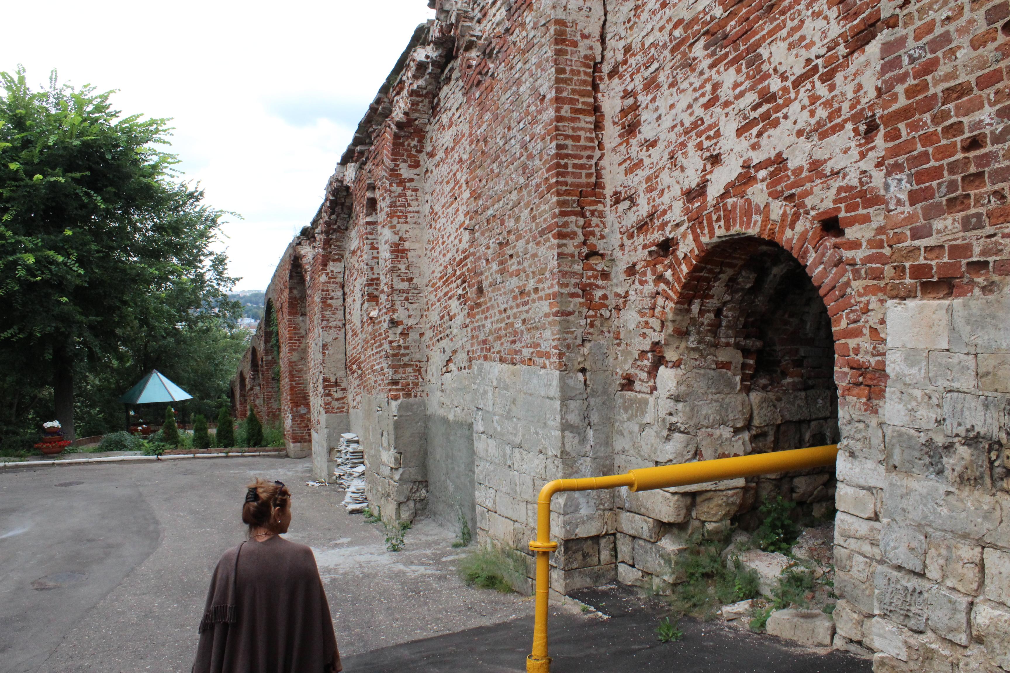 смоленская крепостная стена разрушается