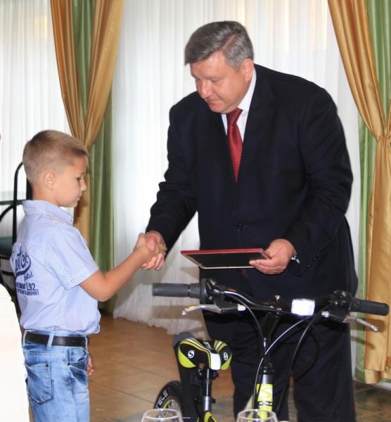 в Смоленске мальчик спас тонущего ребенка