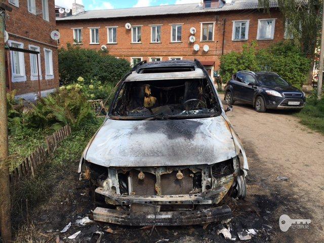 Ночью в Починке сгорела иномарка Toyota
