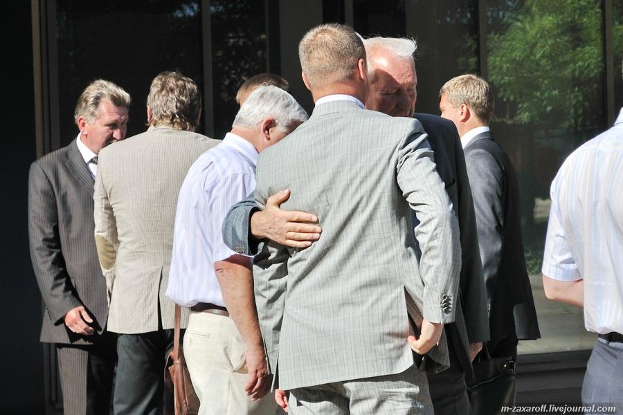 мэр смоленска николай алашеев запретил гей-парад