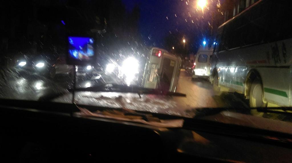 ВДТП сперевернутой машиной вСмоленске пострадал пешеход