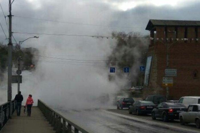 centralnye-ulicy-smolenska-zalivaet-kipyatkom-ocherednoy-proryv-teploseti-43429