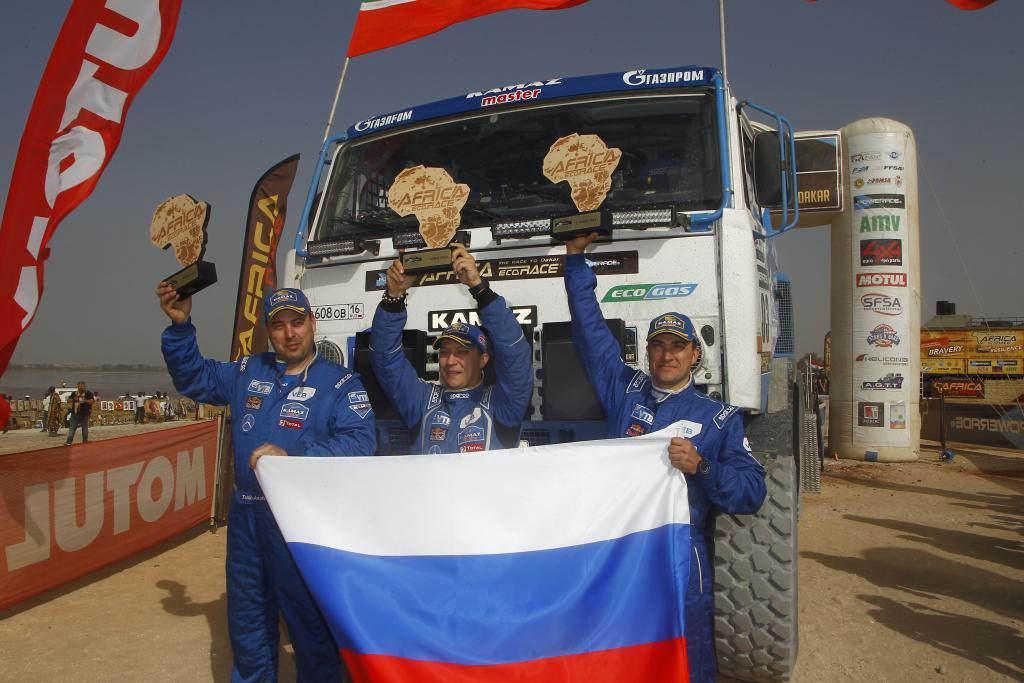 Анатолий Танин (механик), Александр Куприянов (штурман), Сергей Куприянов