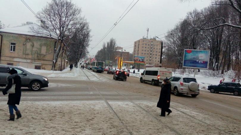 В Смоленске 9 трамваев застряли на Медгородке
