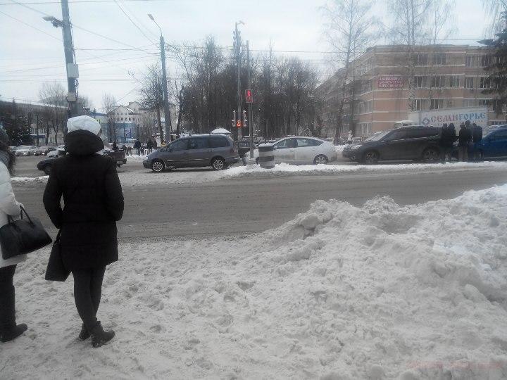 В Смоленске авария собрала пять автомобилей