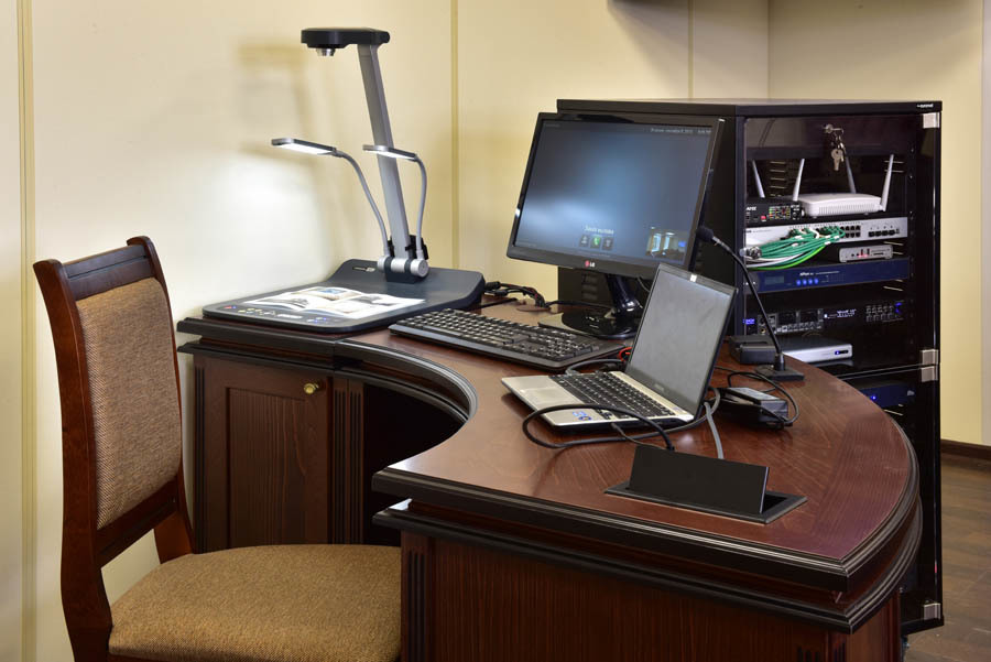 Место секретаря заседания