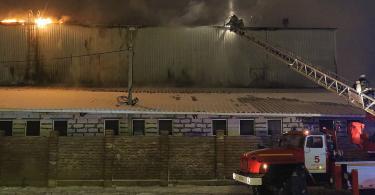 Пожар на производстве пластиковых окон в Смоленске